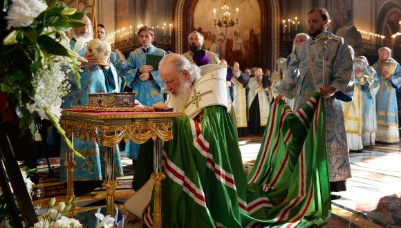 Принесение в Храм Христа Спасителя десницы святителя Спиридона Тримифунского
