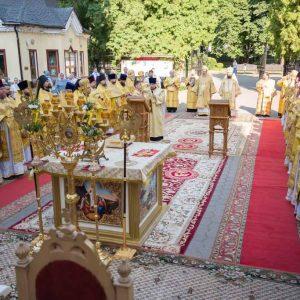 2021-07-23-Божественная-литургия-в-соборе-Петра-и-Павла-10-1