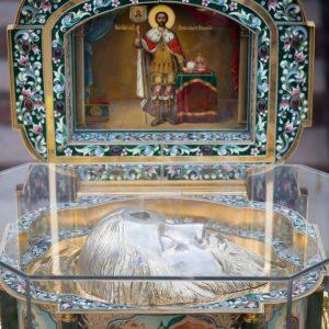 2021-07-23-Божественная-литургия-в-соборе-Петра-и-Павла-2