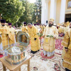 2021-07-23-Божественная-литургия-в-соборе-Петра-и-Павла-46